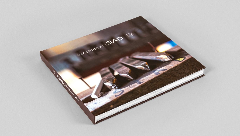 stampa monografia aziendale libro copertina SIAD