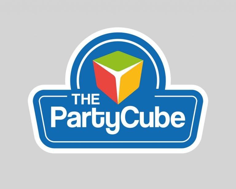 grafica catalogo the party cube logo branding